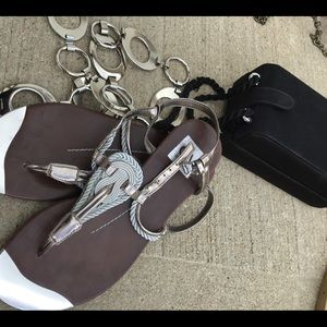 DV blingy silver shiny thing toe sandals size 7.5